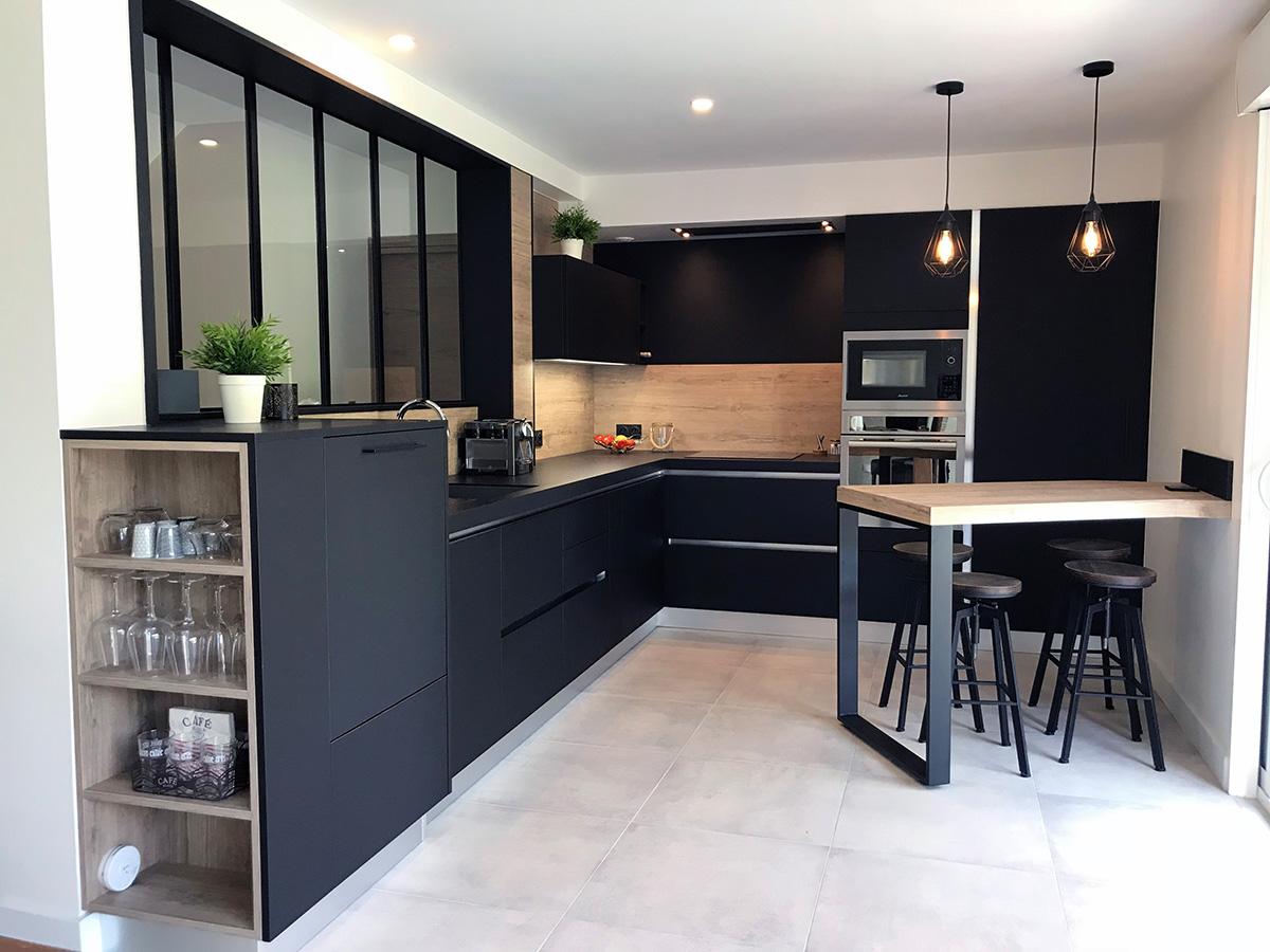 Credence pour cuisine noir et bois - Cuisine noir mat ...