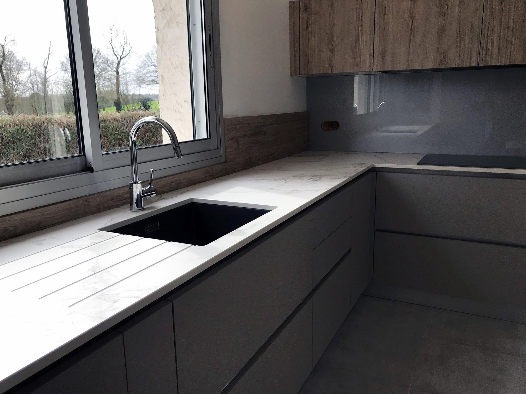 Une petite cuisine installée à Oudon