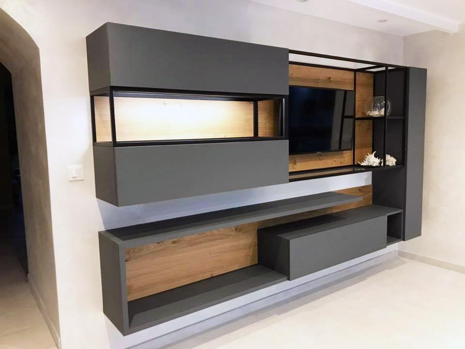 grand meuble télévision avec cadre acier et  placards