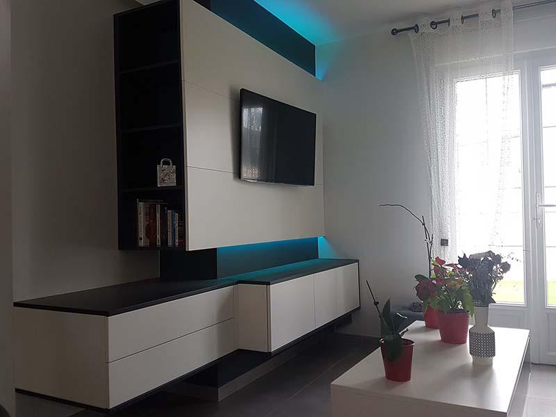meuble tv comprenant rangement et lumiere indirecte led