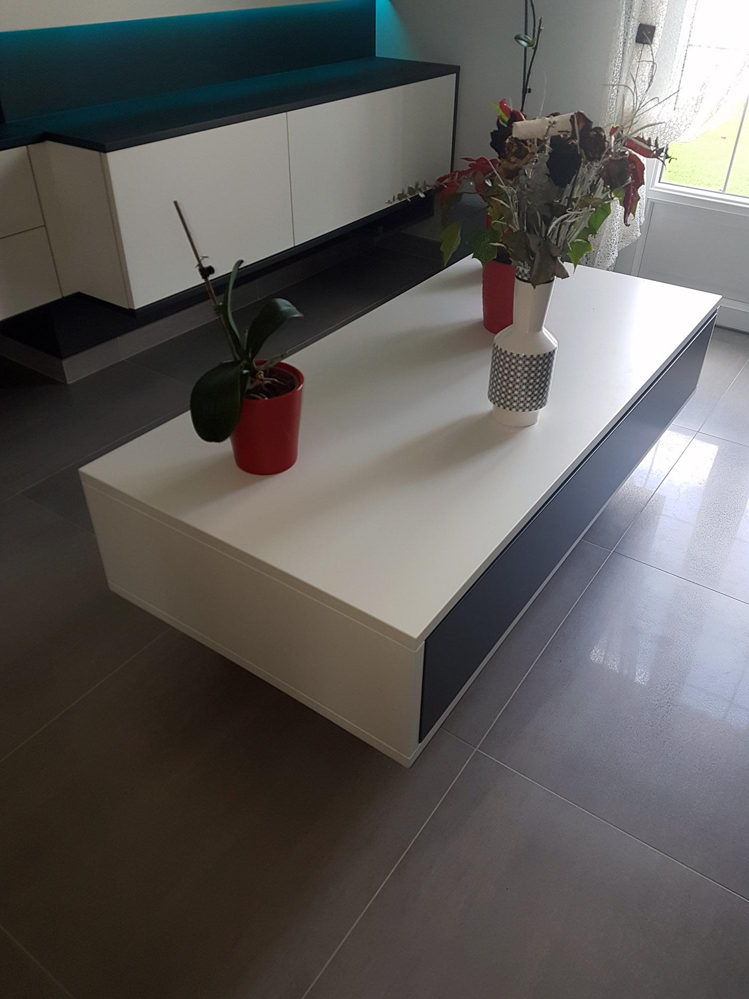 table basse haut de gamme noir et blanche