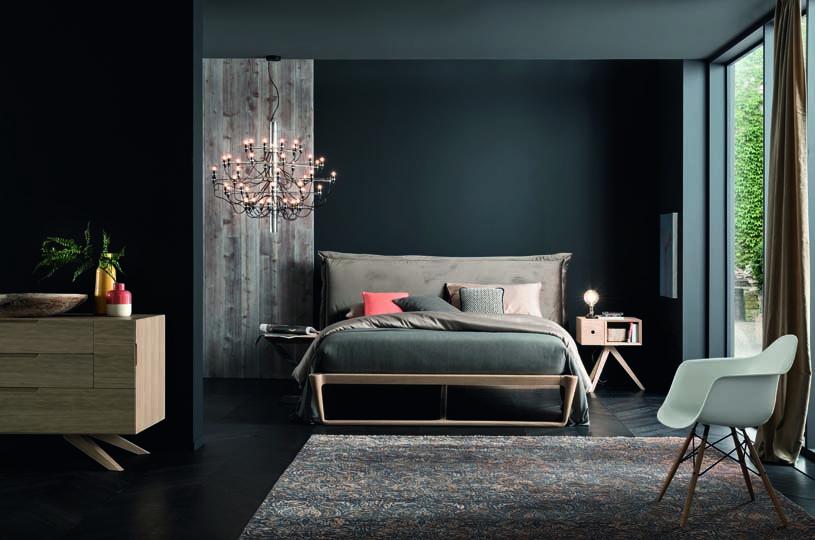 Chambre à coucher avec meuble en bois