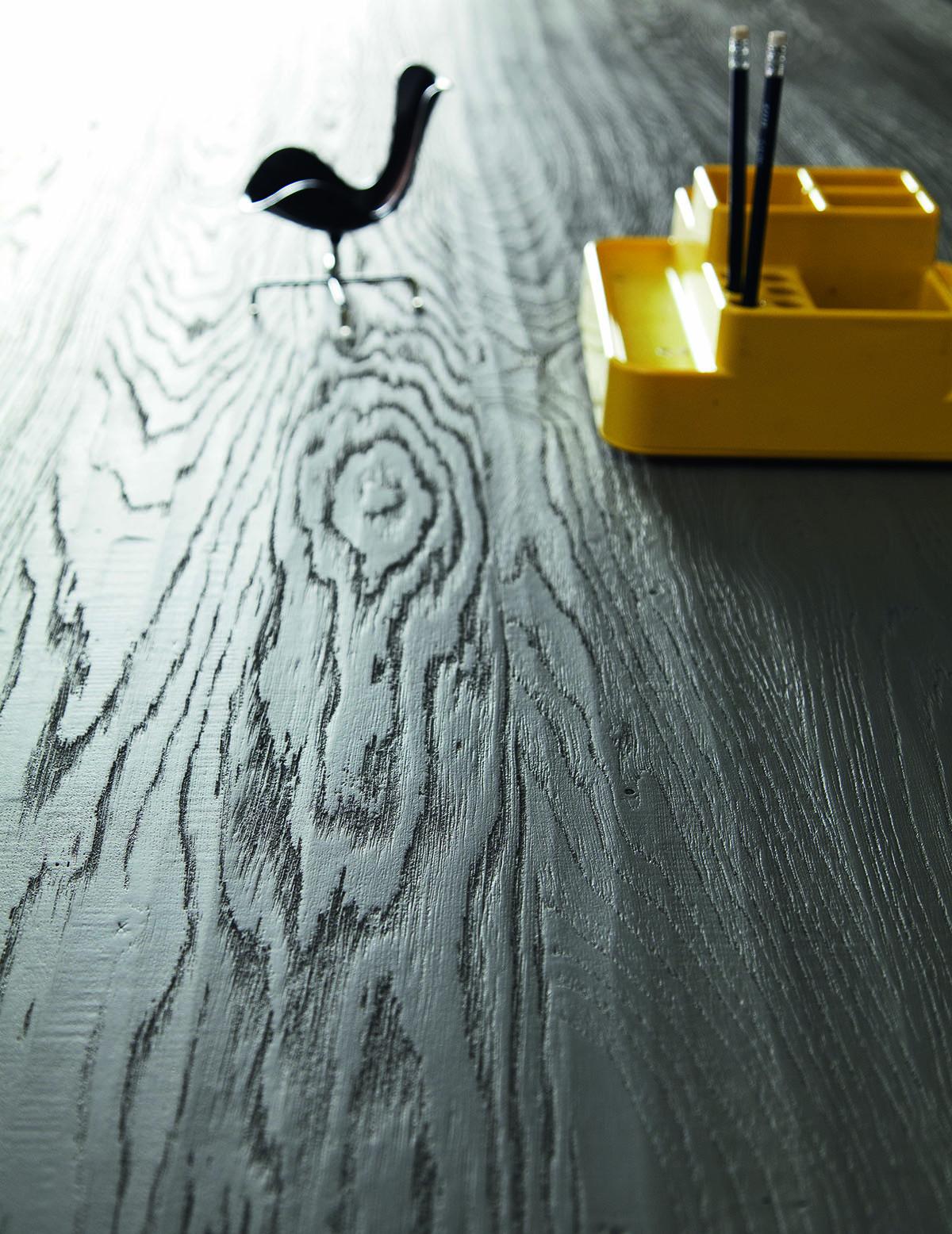 finition chêne peint Table altacorte modèle Parigi