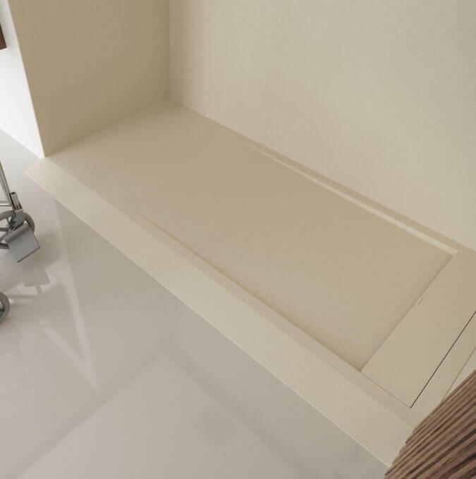 Modèle de receveur blanc  avec écoulement et grille caché