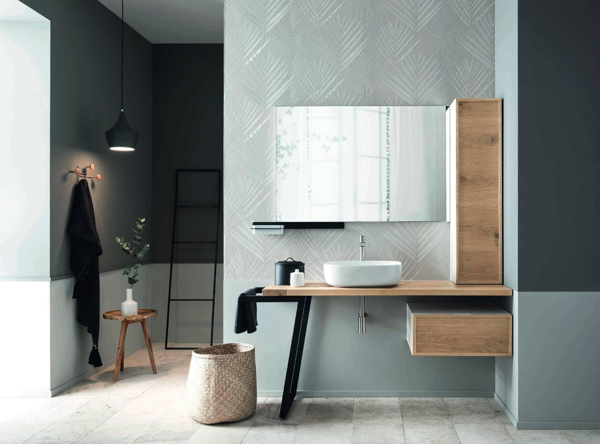 Meuble de salle de bain épuré avec petit tiroir et colonne décalée