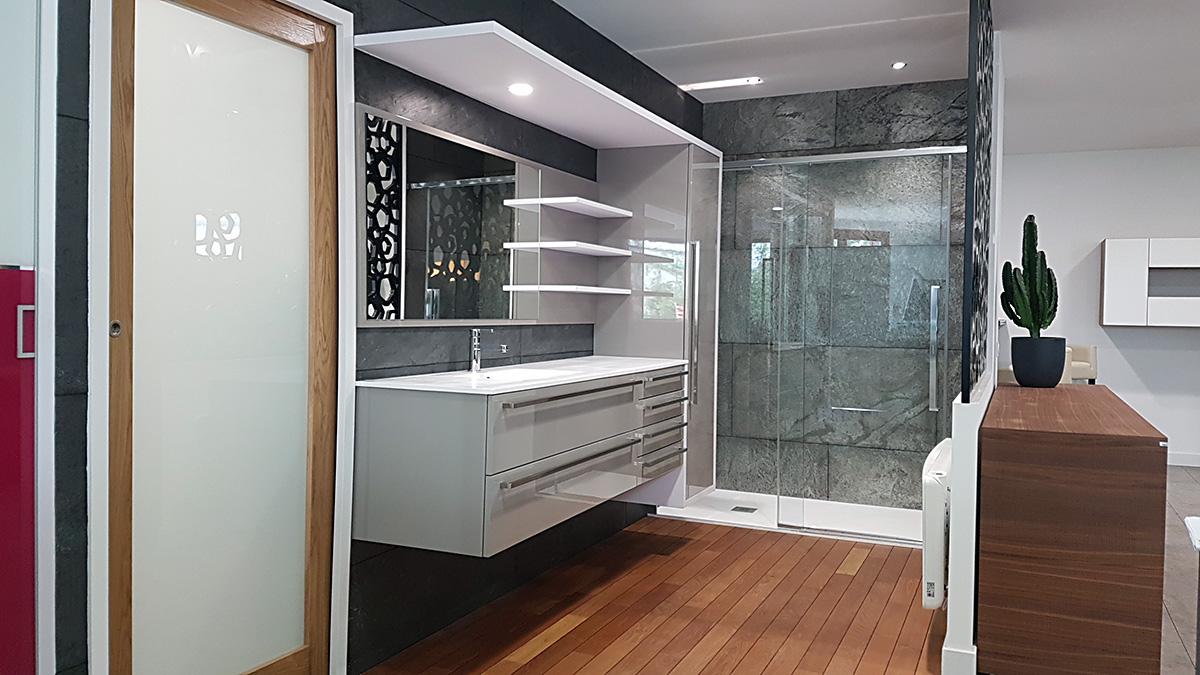Salle de bain avec douche maison moderne for Photo de salle de bain avec douche a litalienne