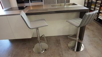 chaise confortable cuisine-sur vérin