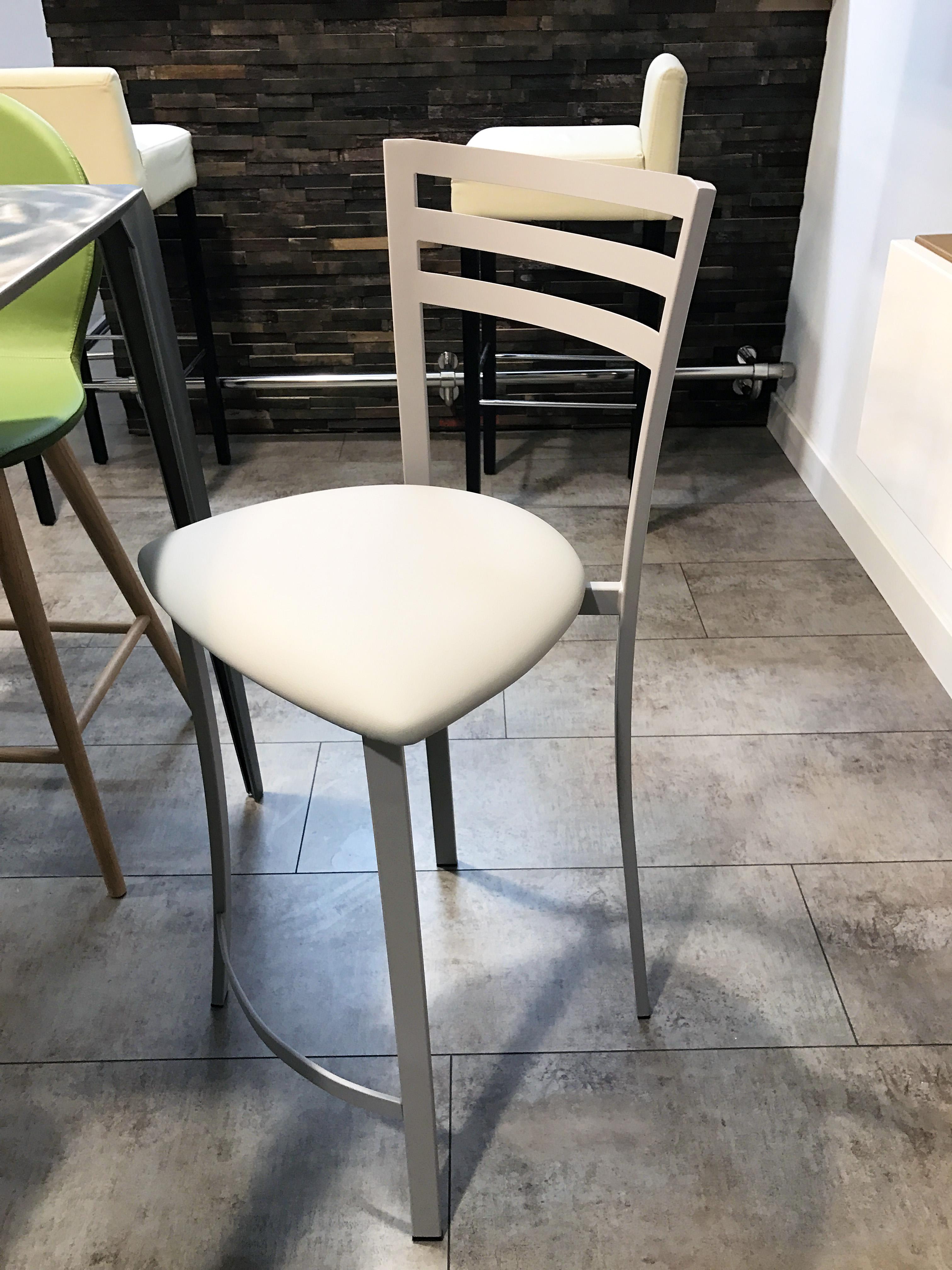 Chaise design cuisine finest chaise cuisine moderne - Chaise haute de cuisine design ...