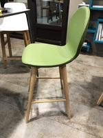 Chaise design verte modèle Nina